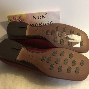 7022e0aee19 Anne Klein Shoes - NWOT ANNE KLEIN FLEXOLOGY LOAFERS 8 1 2